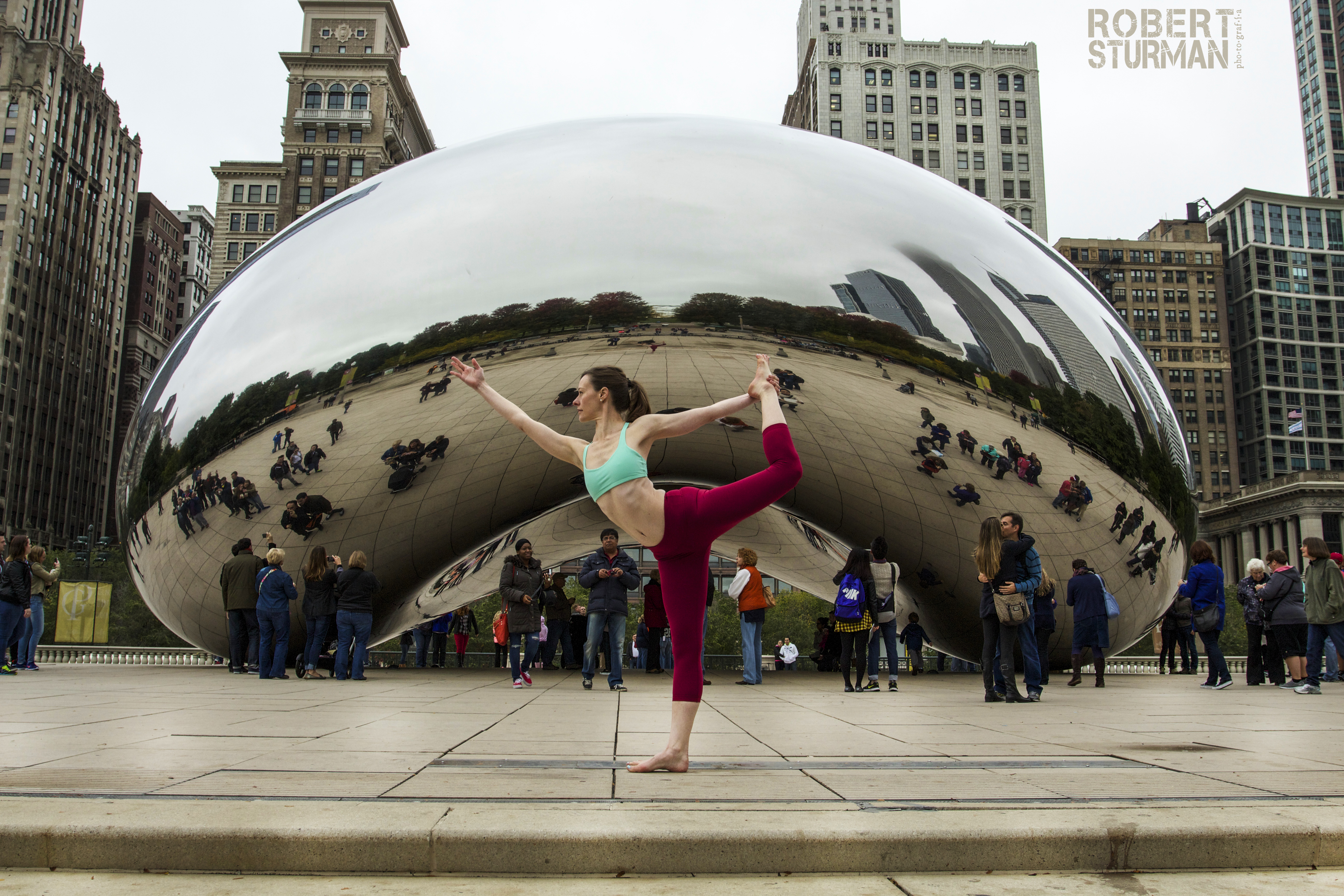 Cloudgate dancer, Chicago.